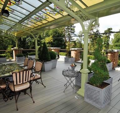 Reštaurácia a krásna záhradná terasa